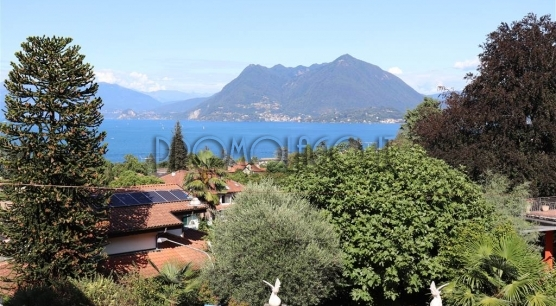 Stresa. Lake view apartment