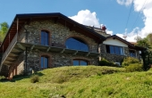 PR_C04, Casale in pietra con vista lago