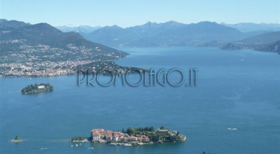 Stresa - Hilly position. Semi-detached house
